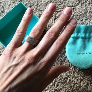 T&Co. | Somerset Mesh Ring